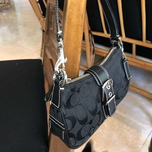 Coach small shoulder purse